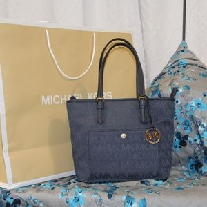 Michael Kors Canvas Jet Set Hand Bag Navy Logo